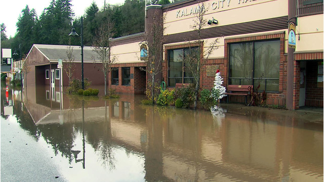 Kalama PD headquarters condemned after flood