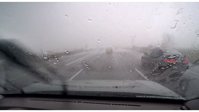 Strong storms briefly slows I-5 traffic in Portland