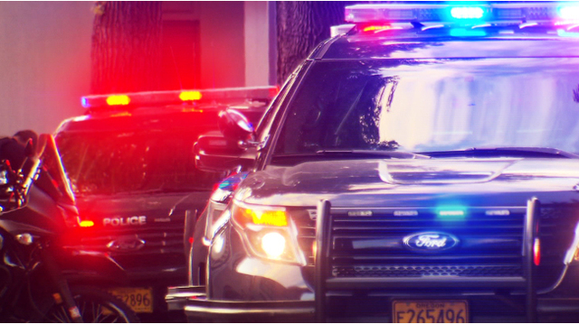 Suspect on the loose after NW Portland bank robbery
