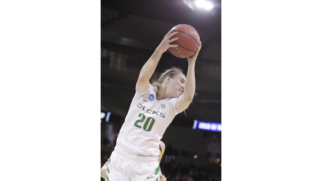 Oregon Ducks fall to Notre Dame in NCAA women's tournament Elite 8