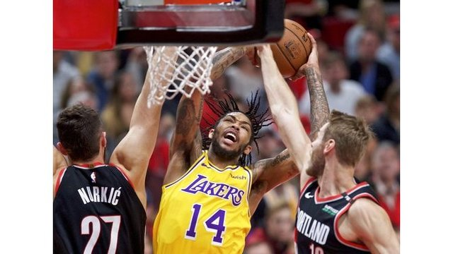 Lakers Trail Blazers Basketball_1541306568968