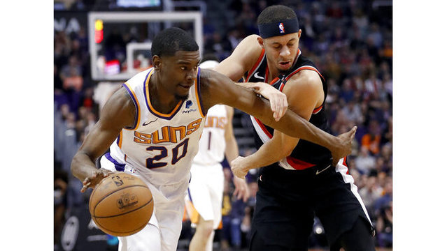 Trail Blazers Suns Basketball_1548398470142