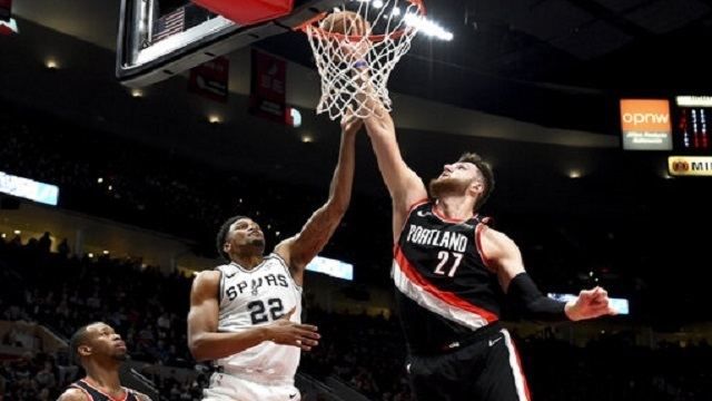 Spurs Trail Blazers Basketball_1549609260230