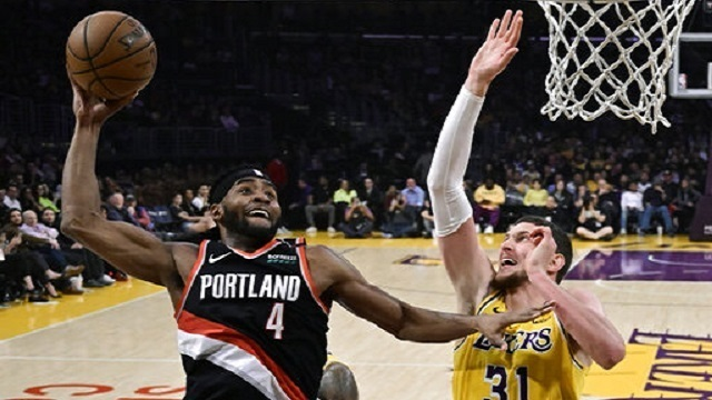 Trail Blazers Lakers Basketball_1554874697060