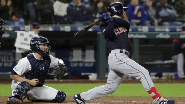 Bieber, bullpen lead Indians to win over Seattle