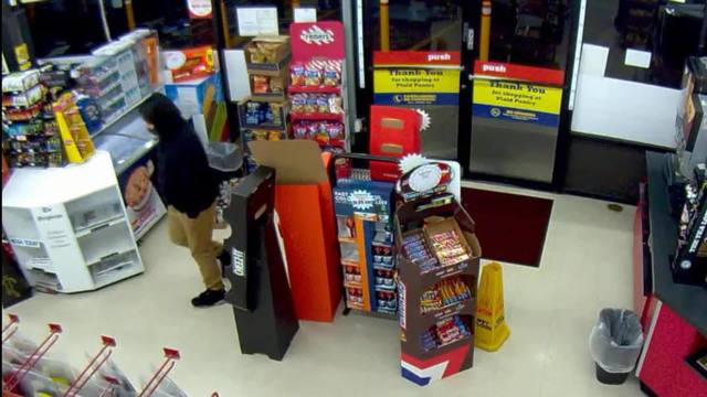 Would-be robber shows hatchet, clerk pulls out gun